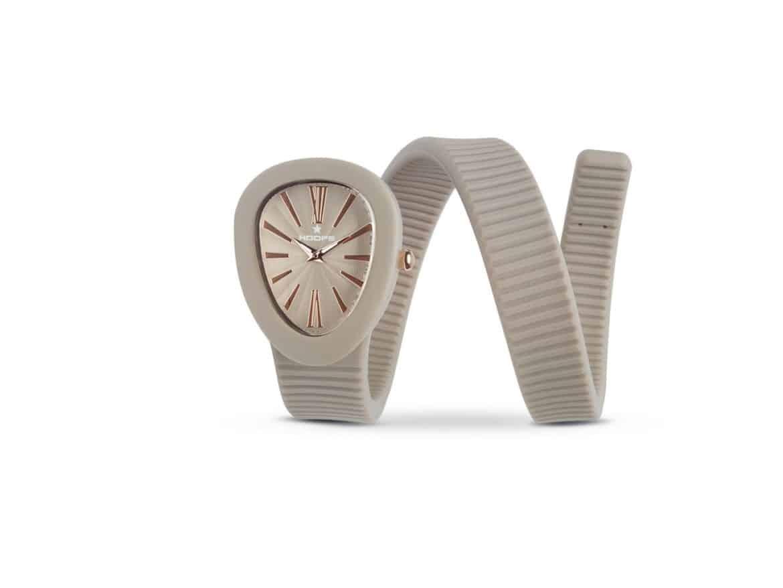 "L'avvolgente design dell'orologio""SHAPE"" by Hoops"