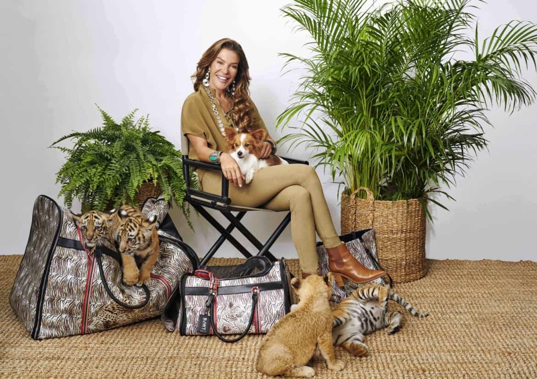 Black Jaguar White Tiger: l'esclusiva capsule collection dedicata ai pet firmata Carpisa e Fiona Swarovski