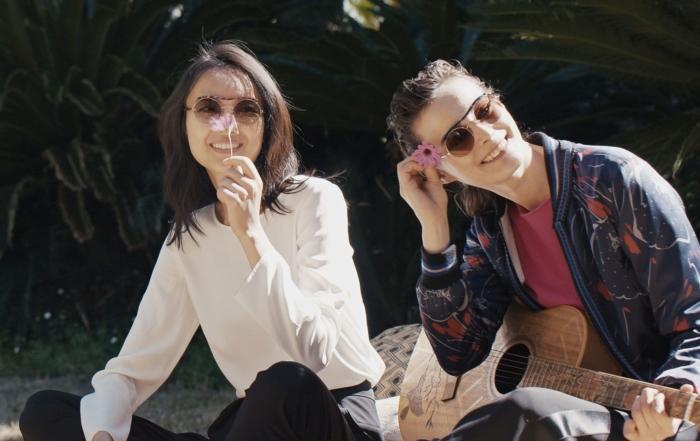 Nuova campagna Eyewear Giorgio Armani per l'A/I 2018/19, all'insegna di semplicità e leggerezza
