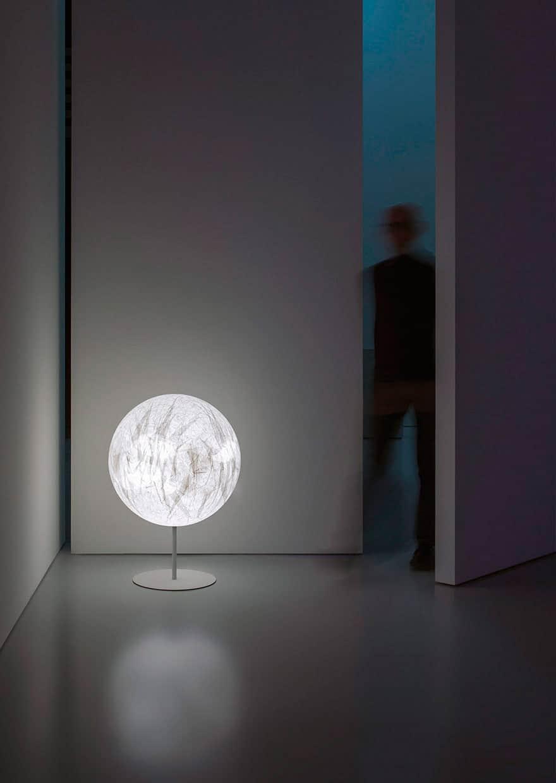 Lampade Da Tavolo Una Scelta Perfetta Per La Casa Fra Le Creazioni Di Design Di Davide Groppi Le Shopping News